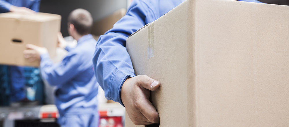Hur packar man lådorna så att de är lätta att bära?